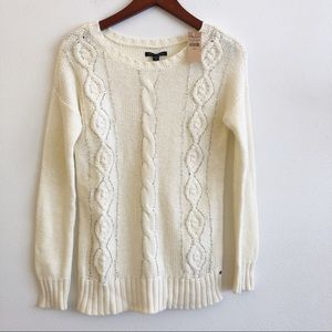 NWT AMERICAN EAGLE OUTFITTERS Cable Knit Sweater
